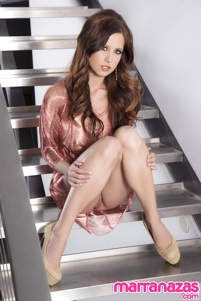 chrissy-marie-stairs-to-heaven-09