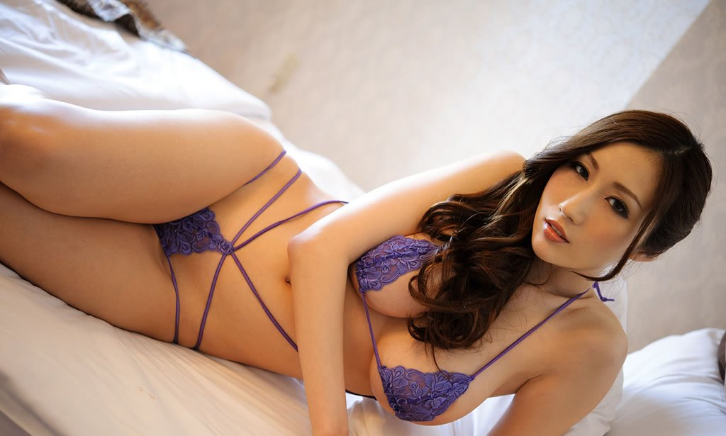 0111-julia-sex-asian-18-02